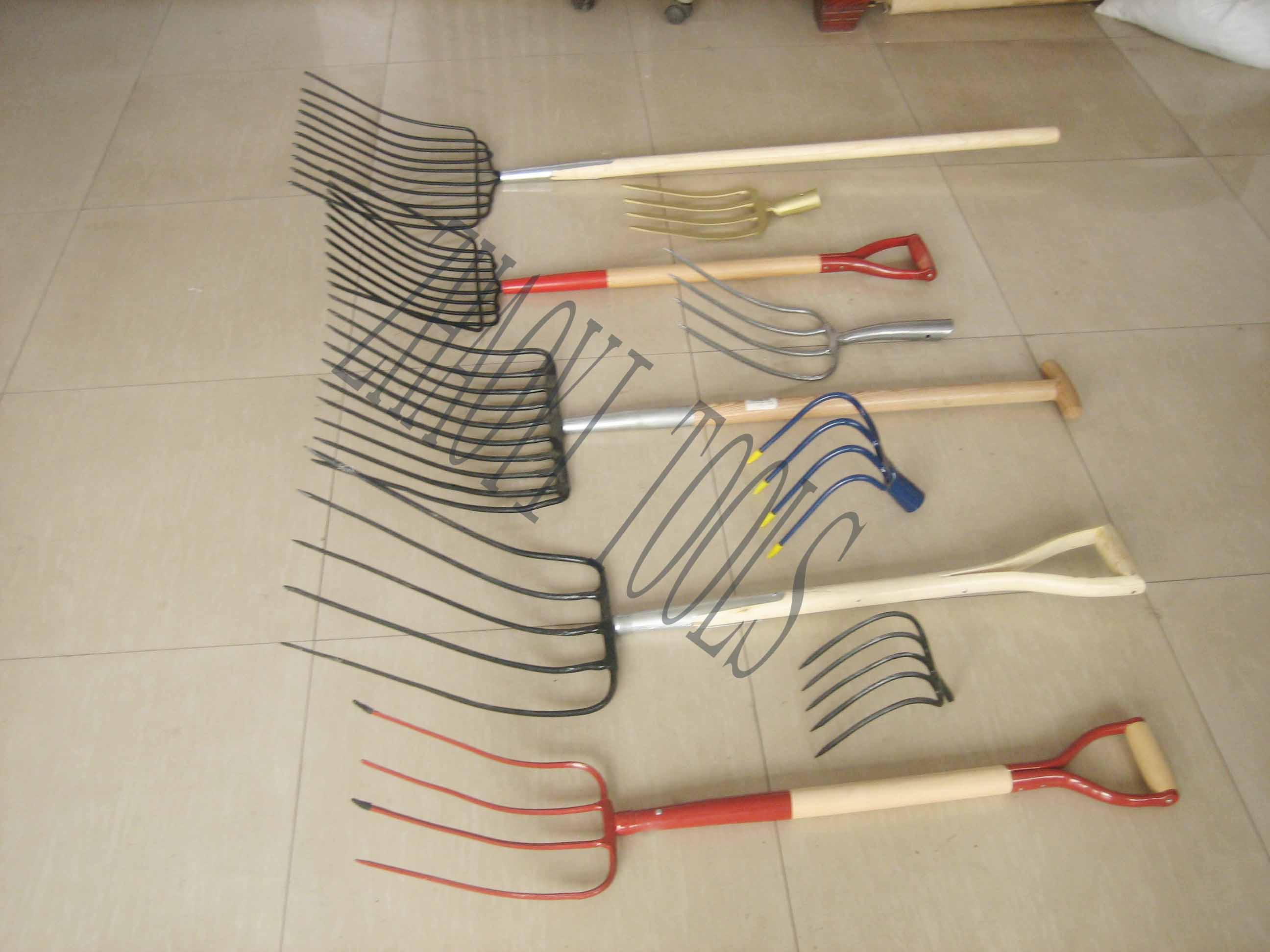 many kinds of digging fork