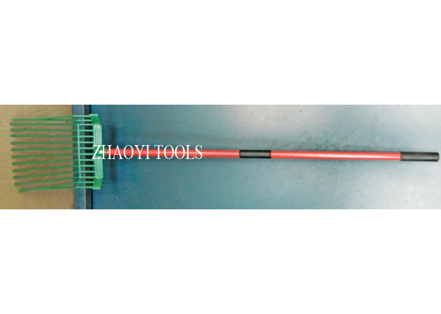 1055046 harness hay  grass fork
