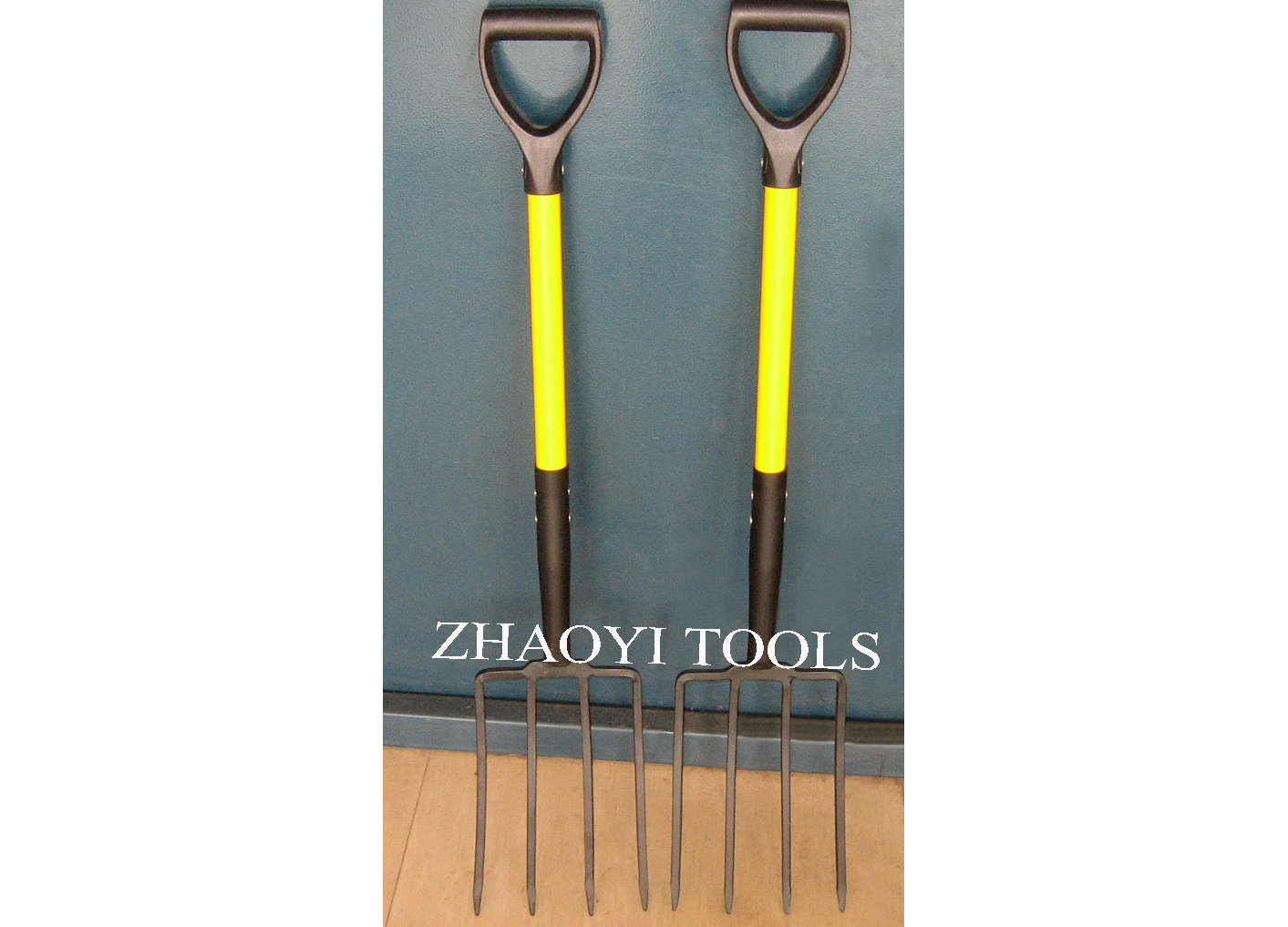 1057019 square tines forks